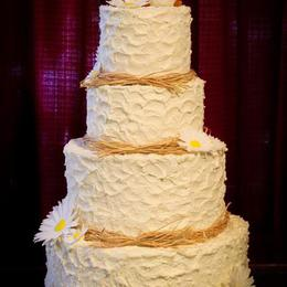 Country Shabby textured Wedding cake