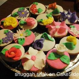 Thumb flowers cupcakes